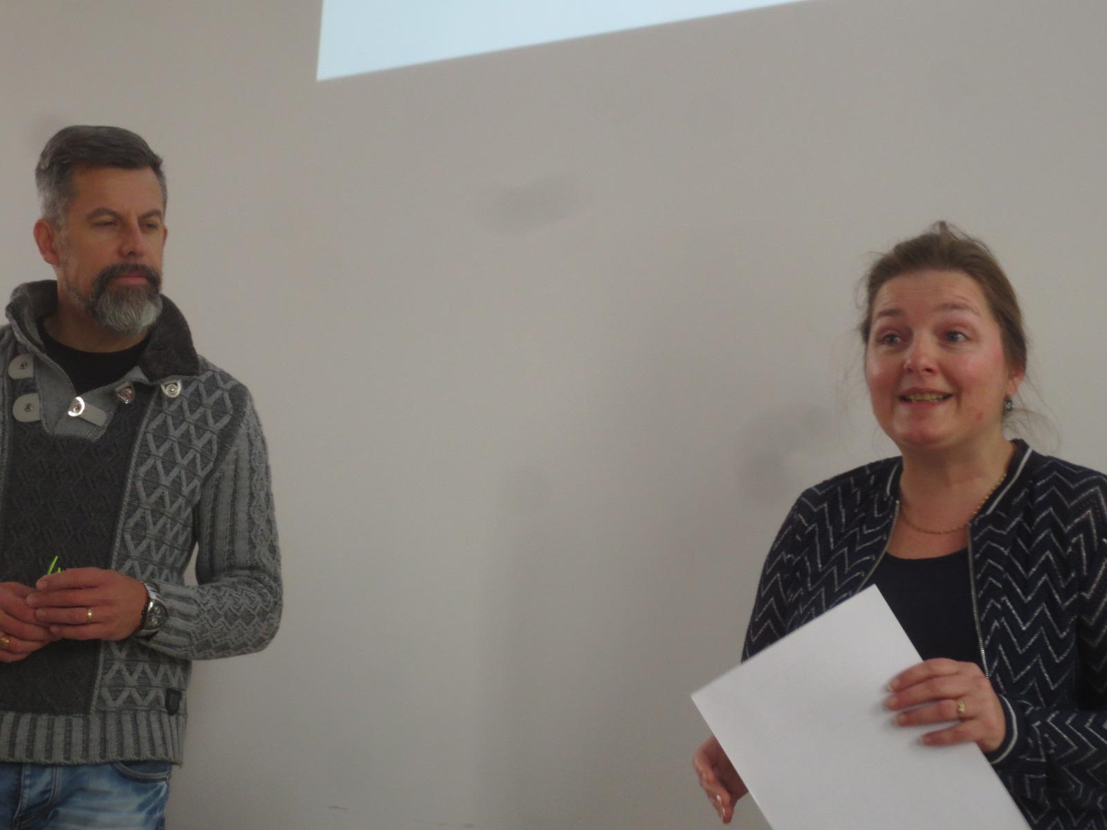 Stéphanie Petit présente l'atelier aux participants.