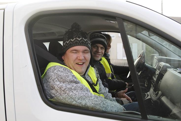 Certains passagers avait trouvé des transports en commun qui roulaient...