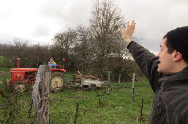 Accueil de Denis et son tracteur .